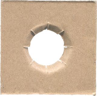 穴の空いたダンボールのテクスチャ素材